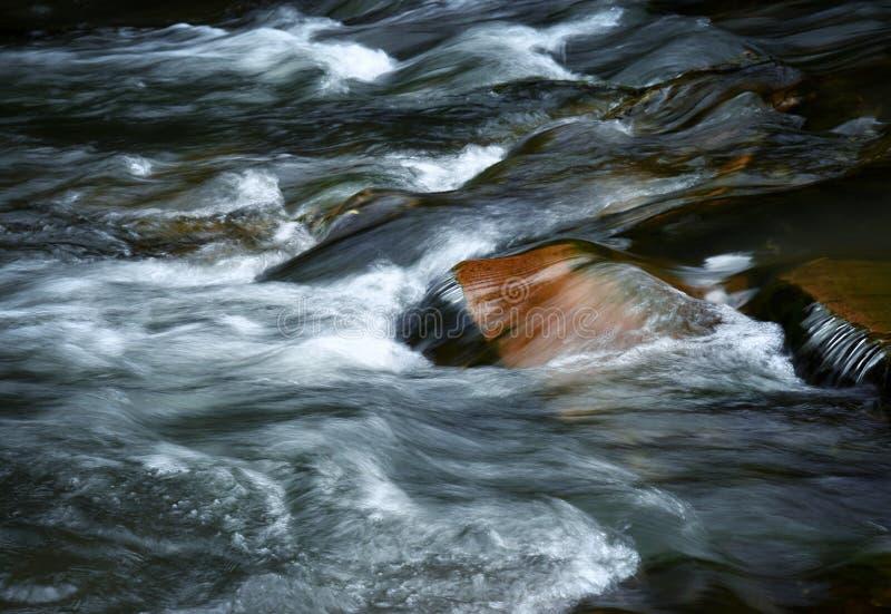 Detalhe do rio de fluxo fotos de stock