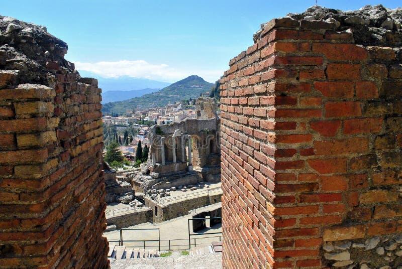 Detalhe do teatro antigo de Taormina em Sicília, foto de stock royalty free