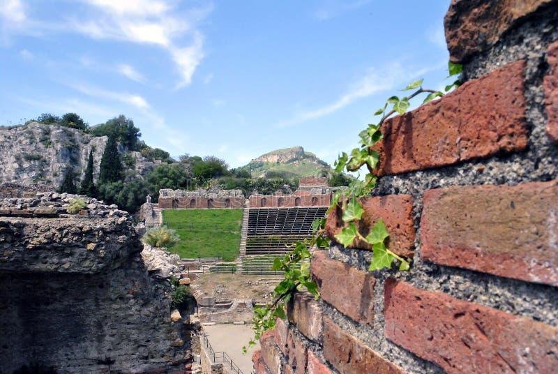 Detalhe do teatro antigo de Taormina em Sicília imagem de stock royalty free