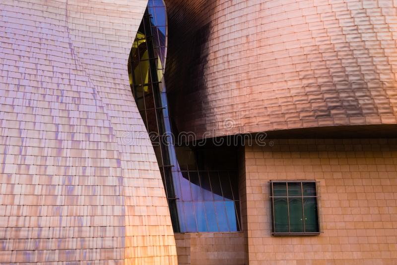 Detalhe do titânio do museu de Guggenheim em Bilbao fotos de stock royalty free