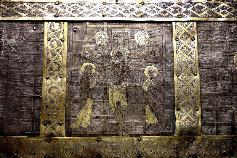 Detalhe do tronco de Christian Relic Silver e do ouro imagens de stock royalty free