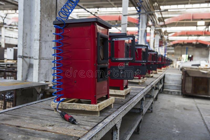 Detalhe dos fogões na fábrica imagem de stock royalty free