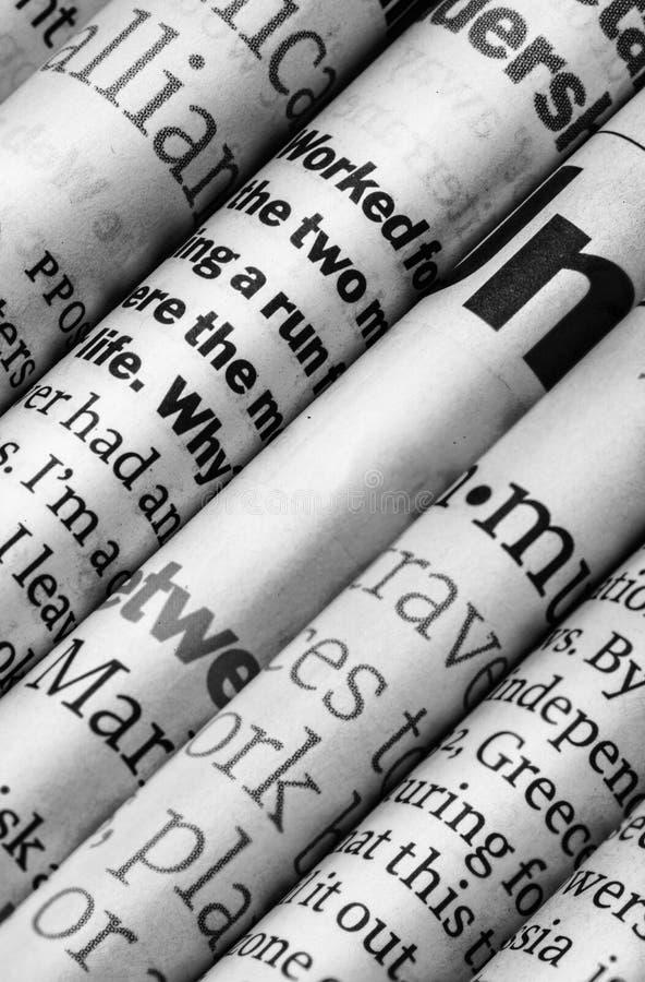 Detalhe dos jornais imagens de stock