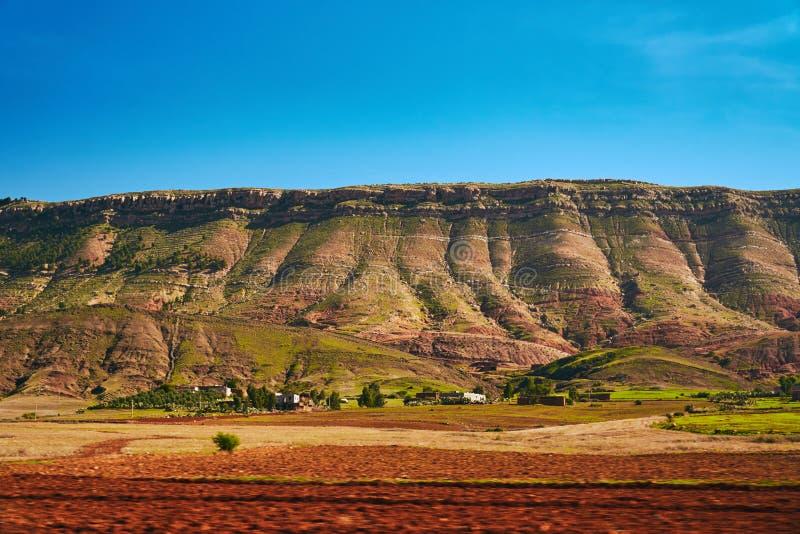 Detalhe dos montes do arco-íris da anti cordilheira do atlas imagem de stock