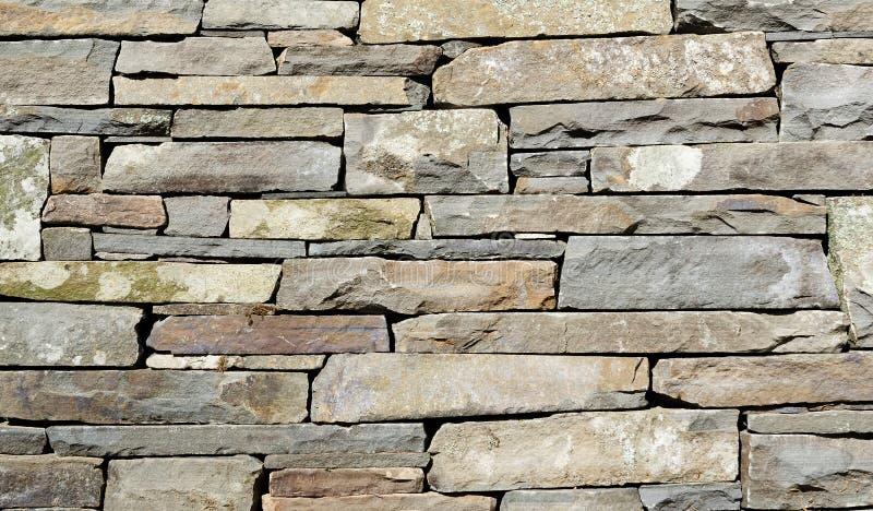Detalhe empilhado da parede de pedra imagens de stock royalty free