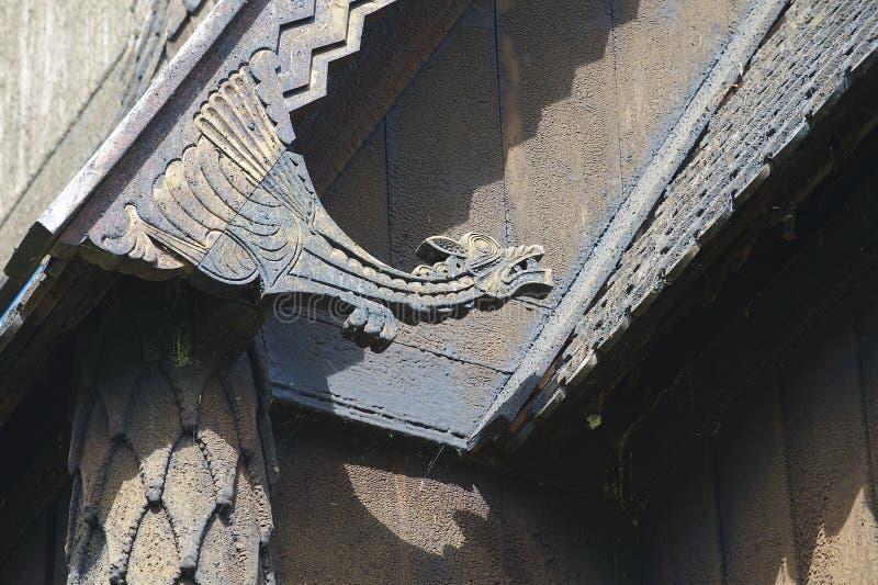 Detalhe exterior da igreja da pauta musical de Hopperstad em Vik, Noruega foto de stock royalty free
