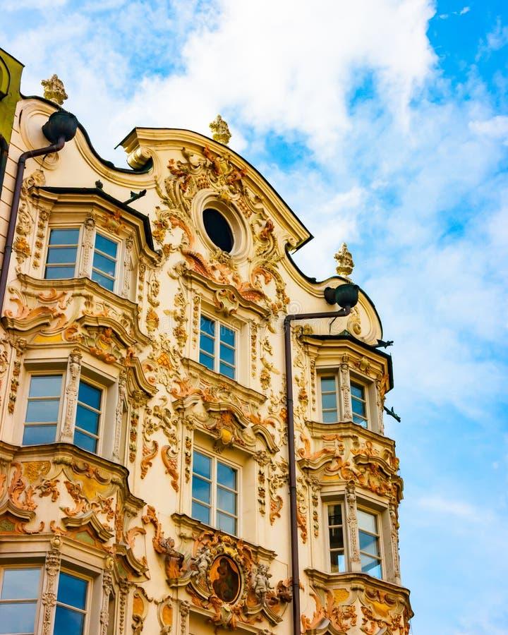 Detalhe Innsbruck de Helbling Haus imagens de stock