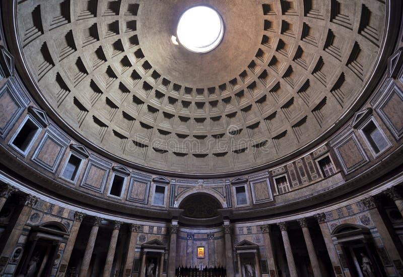 Detalhe interior arquitectónico do panteão romano fotografia de stock royalty free