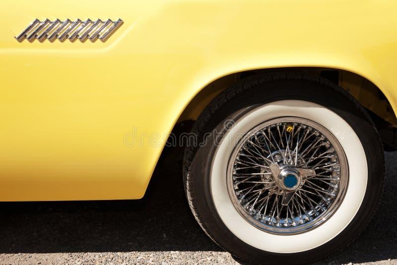 Detalhe lateral de um carro do vintage foto de stock