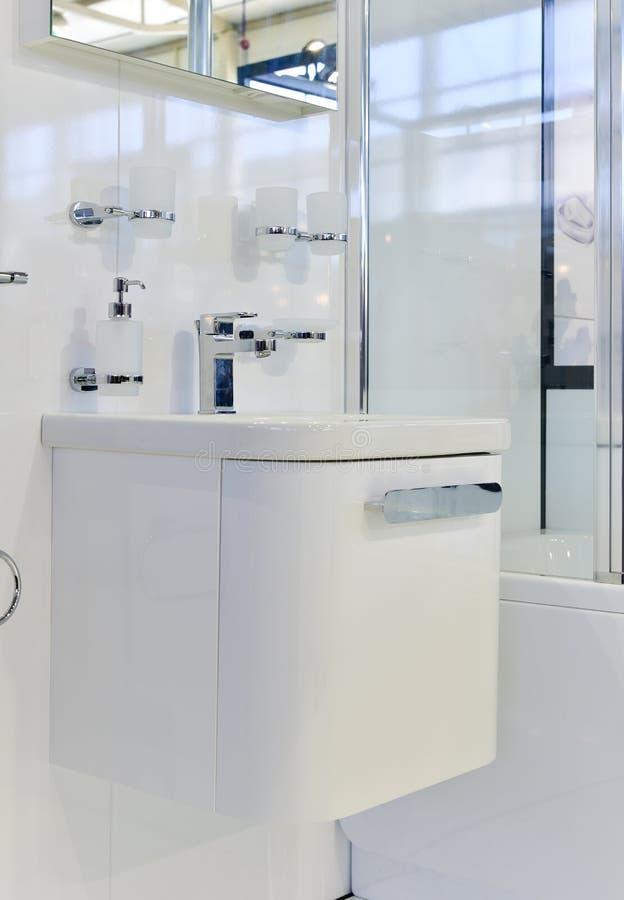 Detalhe moderno do banheiro imagens de stock