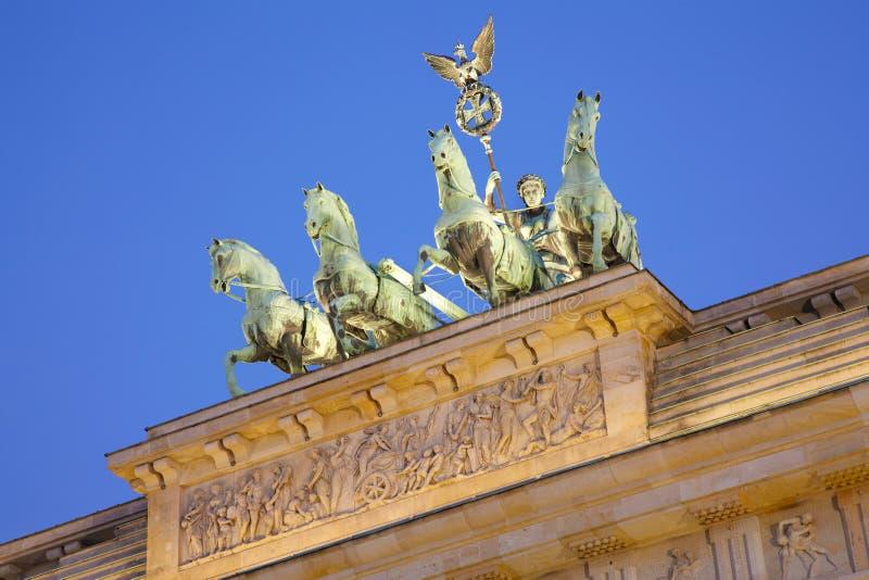 Detalhe na noite, Berlim da porta de Brandemburgo fotografia de stock