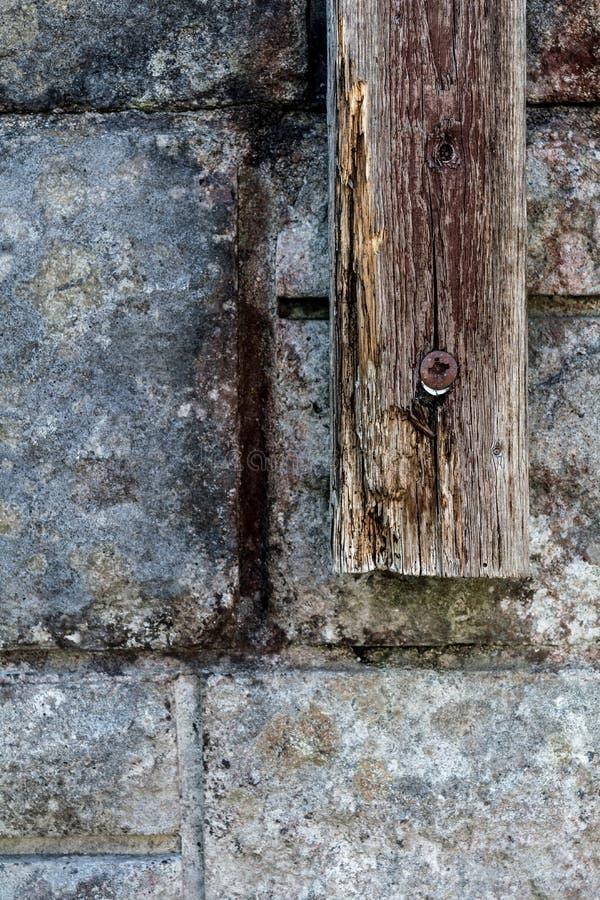 Detalhe resistido da madeira e da parede foto de stock royalty free