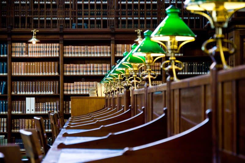 Detalhe velho da biblioteca foto de stock