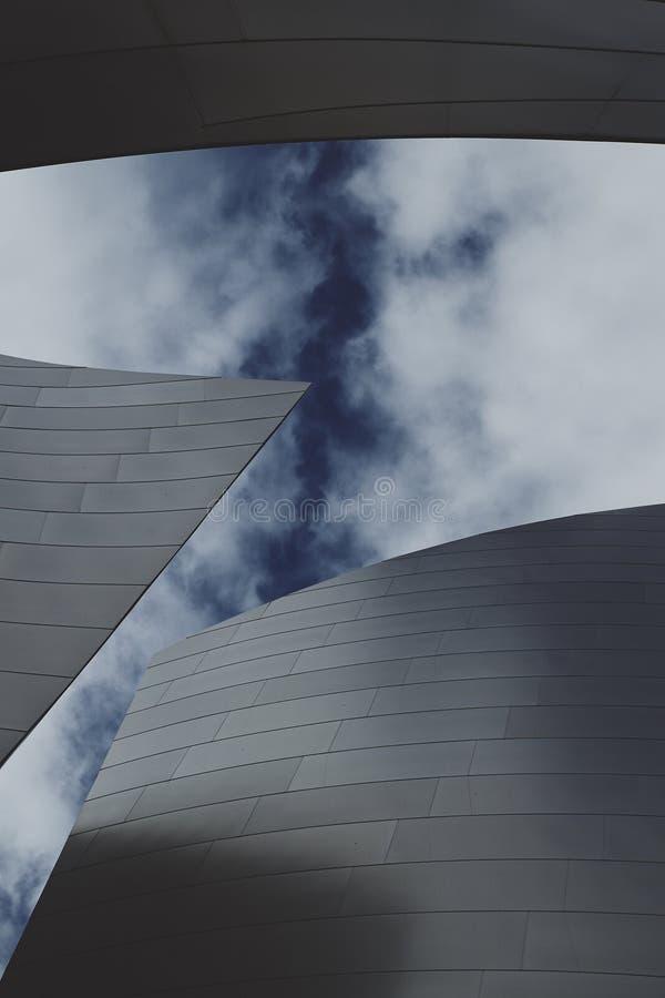 Detalhe vertical de Walt Disney Concert Hall Close foto de stock