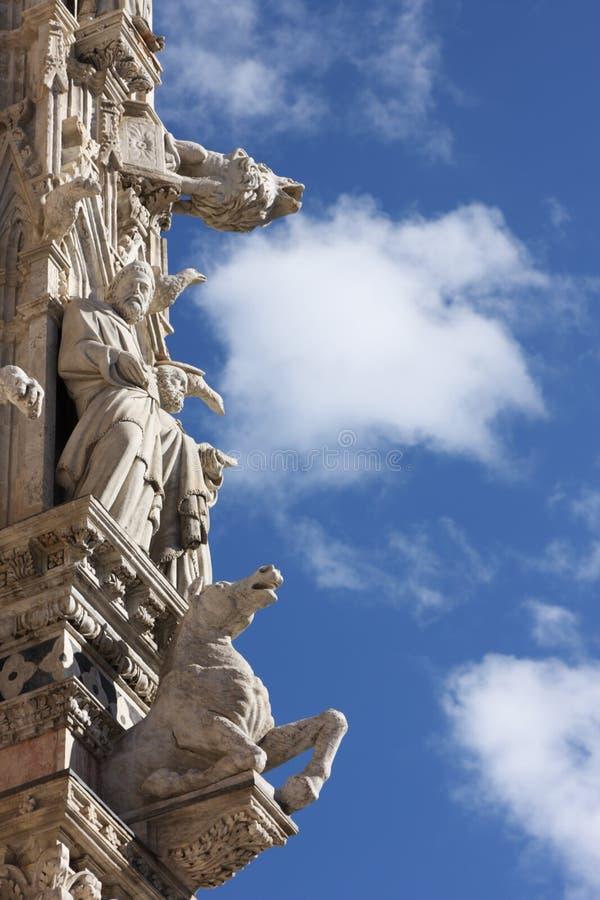 Detalhes arquitectónicos de catedral em Siena fotografia de stock royalty free