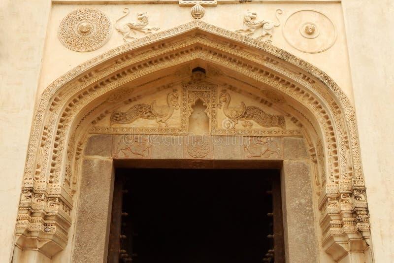 Detalhes arquitetónicos de entrada do forte de Golconda, Índia foto de stock royalty free