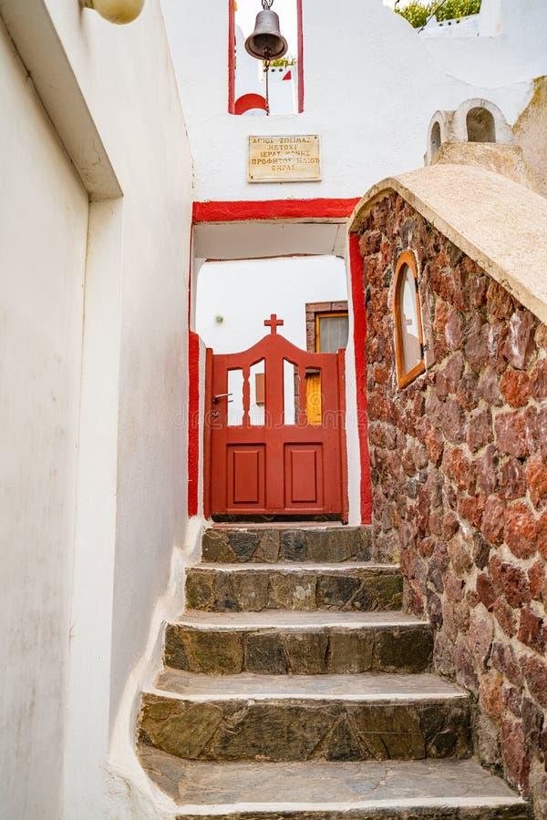 Detalhes arquitetónicos de ilha de Santorini em Grécia, tiro em Thira, capital foto de stock