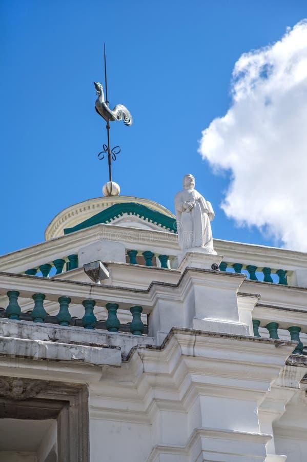 Detalhes artísticos de uma catedral em Quito Equador fotos de stock