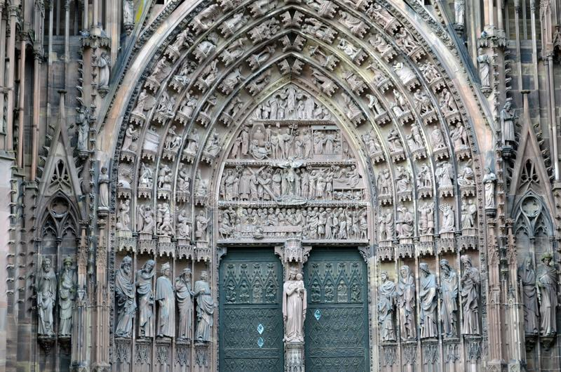Detalhes da catedral de Strasbourg, Strasbourg França imagem de stock