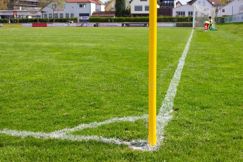 detalhes de campo de futebol amador foto de stock