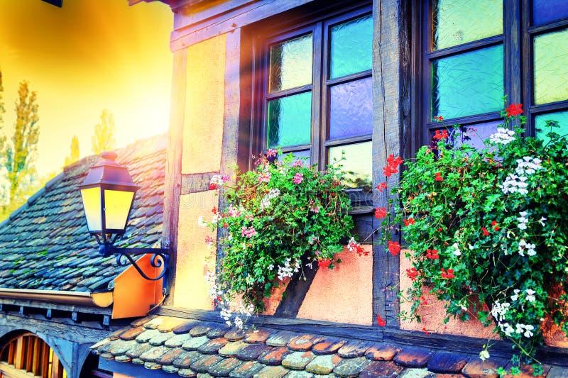 Detalhes de casa de quadro tradicional da madeira Alsácia, France imagens de stock royalty free