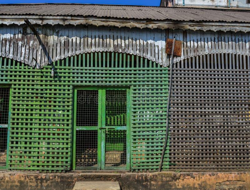 Detalhes de casa de madeira velha foto de stock