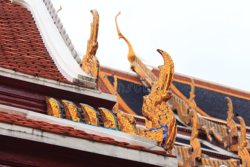 Detalhes de Emerald Buddha Temple imagem de stock royalty free