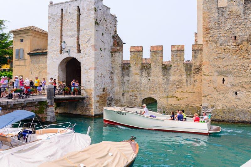 Detalhes do castel velho em Itália fotografia de stock