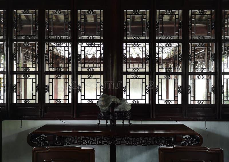 Detalhes internos da antiga casa do patrimônio chinês fotografia de stock royalty free