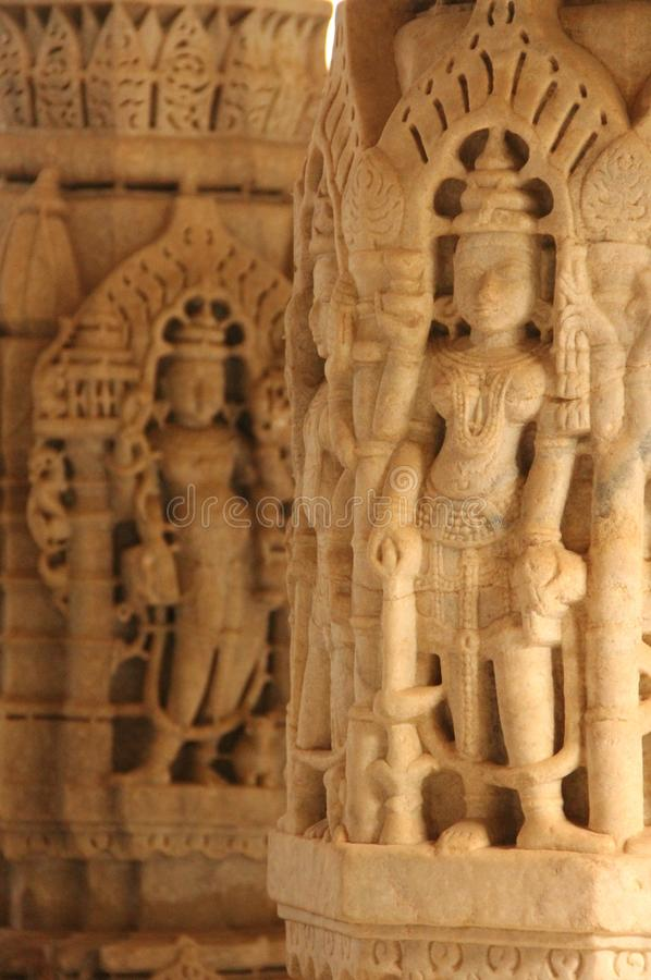 Detalhes no templo de Ranakpur fotografia de stock royalty free
