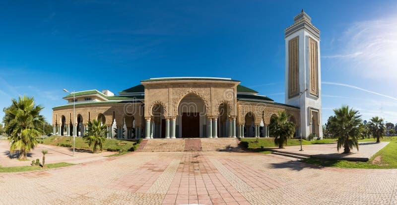 Detalhes tradicionais e típicos da arquitetura marroquina Mesquita em Kenitra, Marrocos, África fotos de stock royalty free