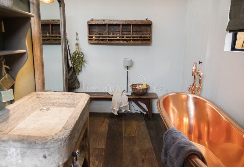 Detalj av badrumgarnering arkivbilder