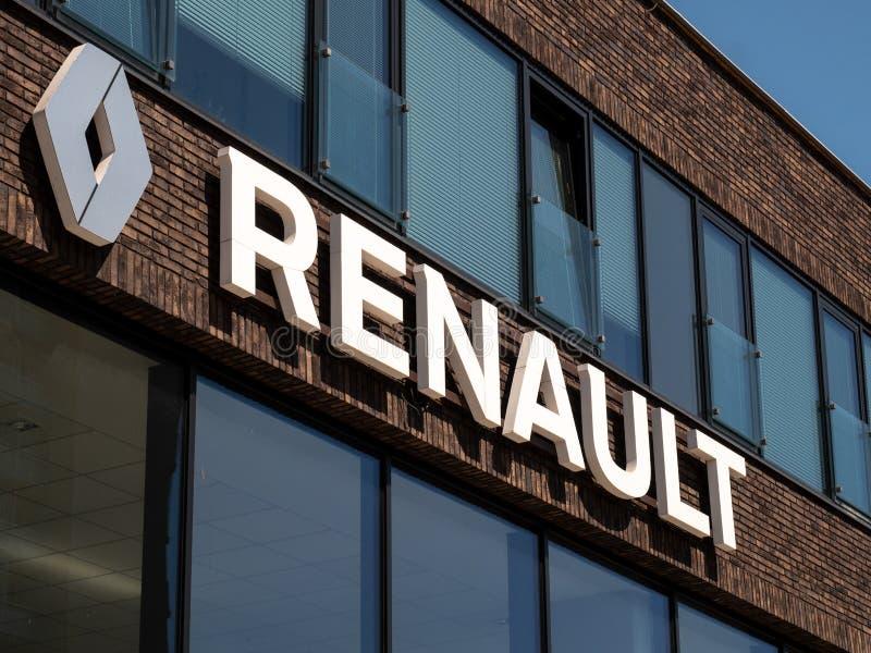 Detalj av byggnaden av denRenault återförsäljaren arkivfoto