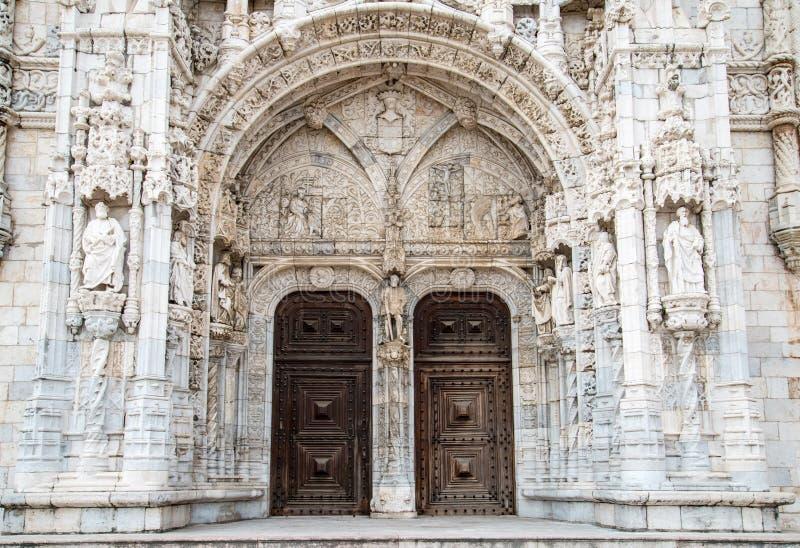 Detalj av den Hieronymites kloster (Mosteiro DOS Jeronimos) royaltyfria foton