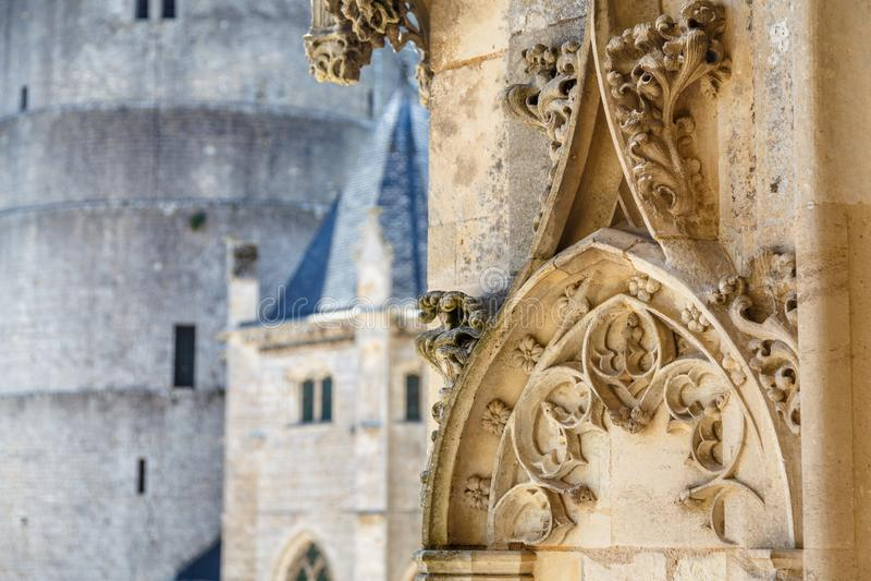 Detalj av den medeltida slotten av den Chateaudun staden arkivbilder