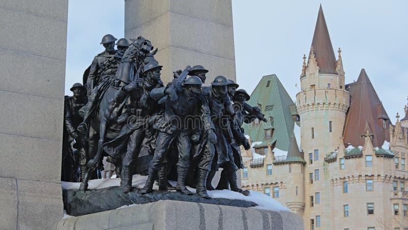 Detalj av den nationella krigminnesmärken, Ottawa, Kanada arkivfoton