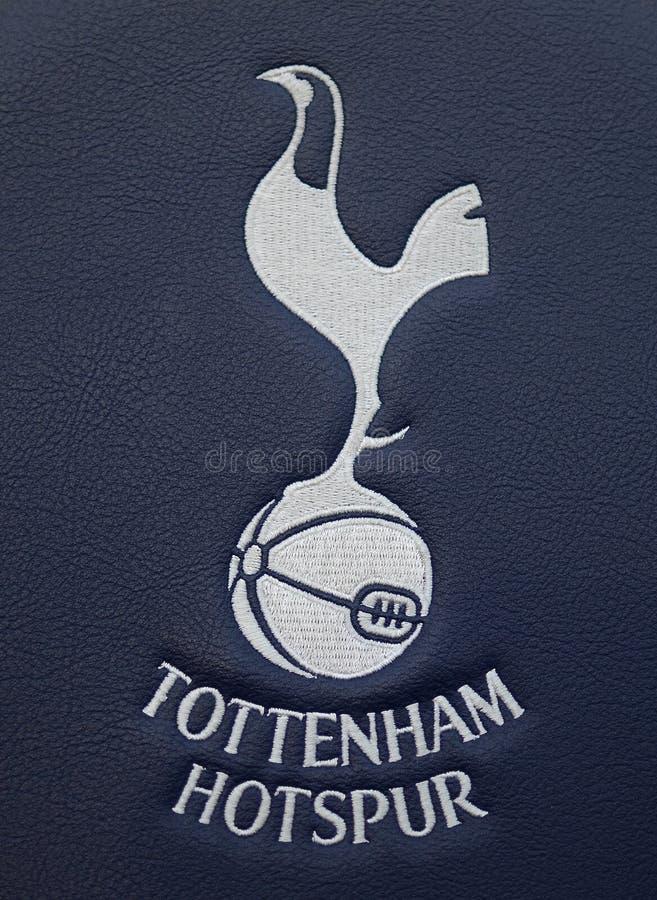 Detalj av den Tottenham Hotspur ersättningsbänken arkivbilder