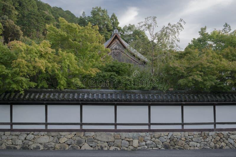Detalj av det traditionella japanska trähuset arkivbild
