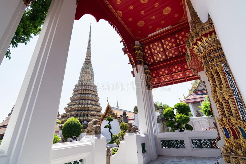 Detalj av det Wat Pho Reclining Buddha tempelkomplexet i Bangkok, Thailand arkivfoton