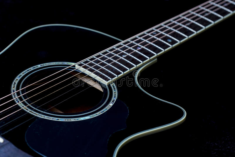 Detalj av en gitarr royaltyfri foto
