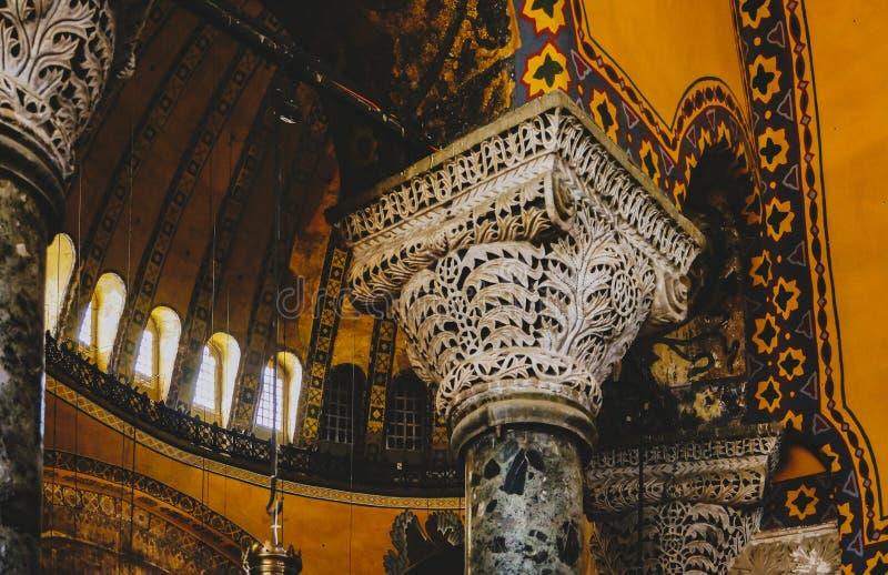 Detalj av en kolonn inom Hagia Sophia i Istanbul arkivfoton