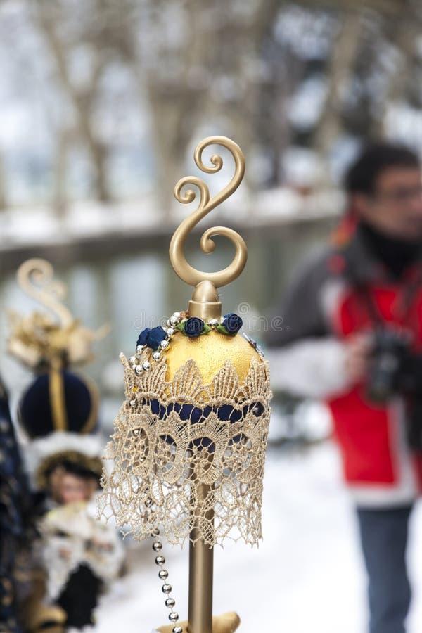 Detalj av en Sceptre - Annecy Venetian karneval 2013 arkivfoton