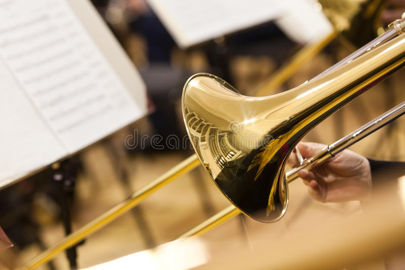 Detalj av en trombon royaltyfri foto