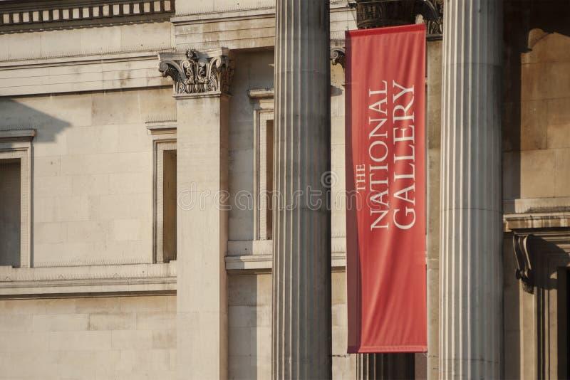 Detalj av fasaden av den London National Gallery på Trafalgar Square royaltyfri bild