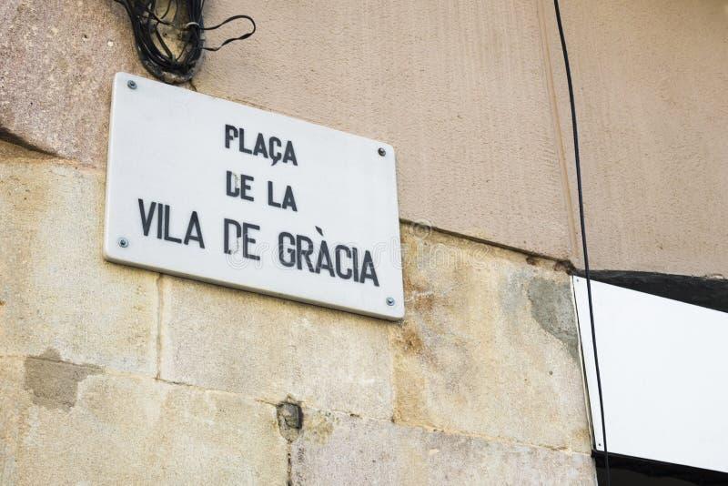 Detalj av gatatecknet av Vila de Gracia Square i Barcelona, Spa arkivfoton