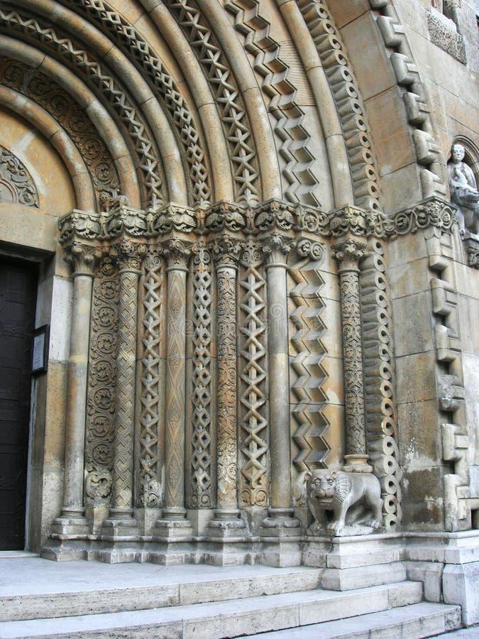Detalj av gotisk arkitektur på en kyrka fotografering för bildbyråer
