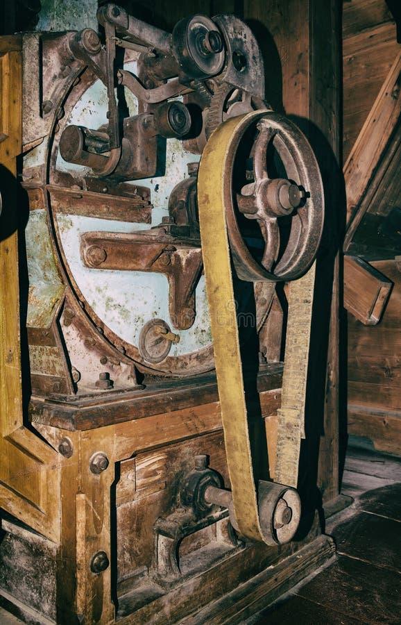 Detalj av industriella maskinhjul för gammal tappning royaltyfria foton