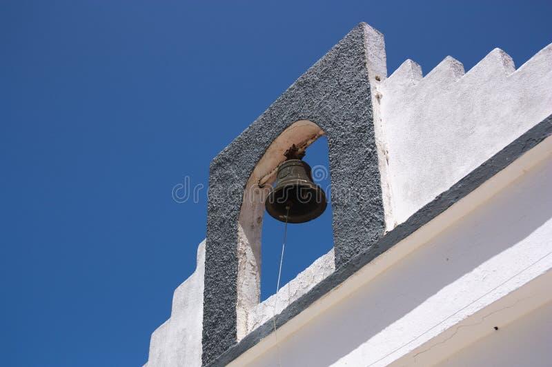 Detalj av klockatornet av en eremitboning med en klocka arkivbilder