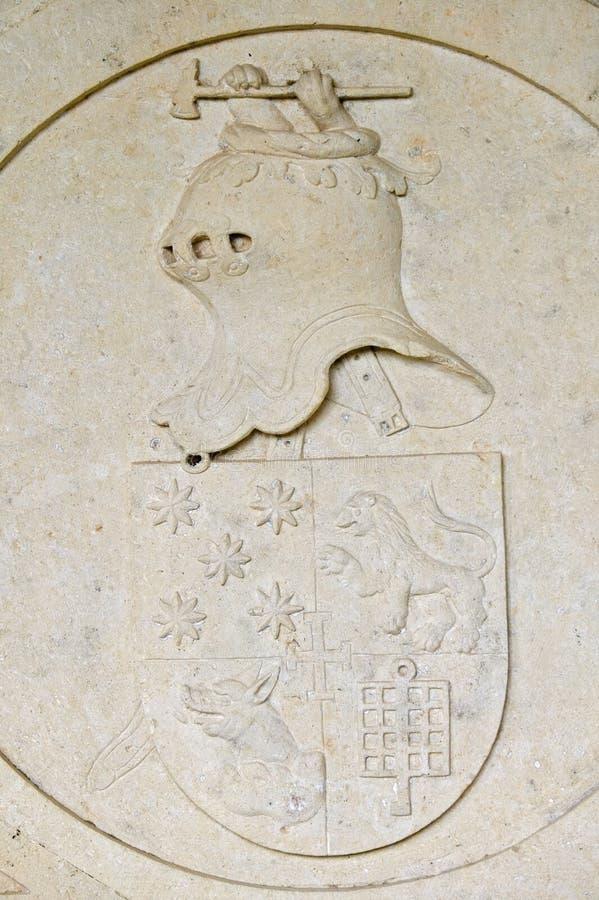 Detalj av riddaren i sten på väggen av den Templar slotten och kloster av riddarna av Kristus som grundas av Gualdim Pais i ANNON royaltyfria foton