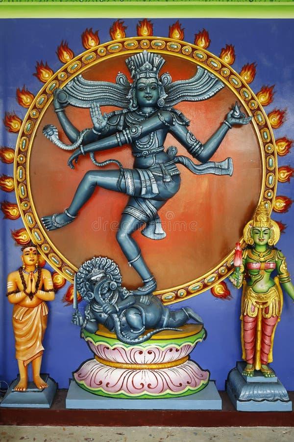 Detalj av statyn av vishnuen, i indisk tempel royaltyfria foton